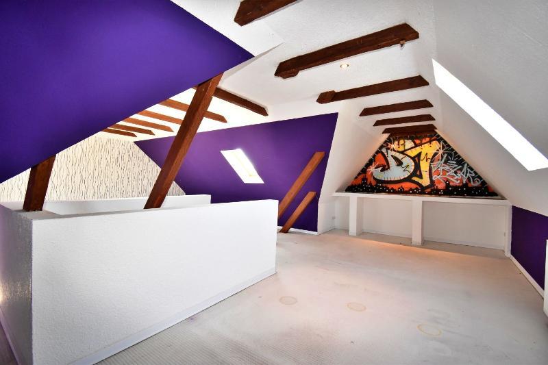 Großes Zimmer im Dachgeschoss